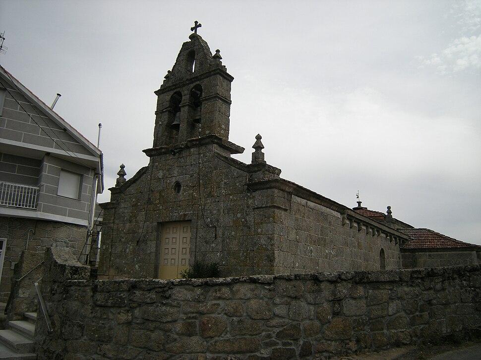 Igrexa de Santa María de Atás, Cualedro