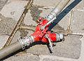 Incendie hôtel Lambert dédoubleur tuyaux pompiers.jpg