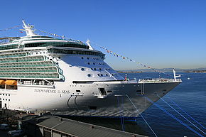 Independence of the Seas frontal view.jpg
