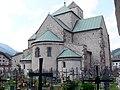 Innichen Stiftskirche - Apsis von Außen 1.jpg