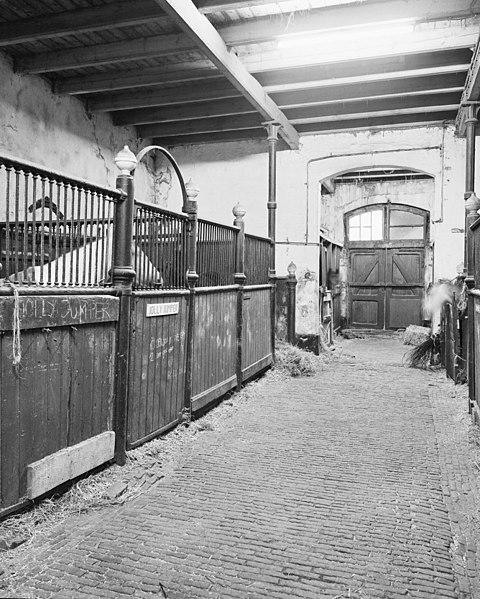 File:Interieur stallen - Amsterdam - 20014424 - RCE.jpg