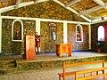 Interior de la capilla de Chuyas.JPG