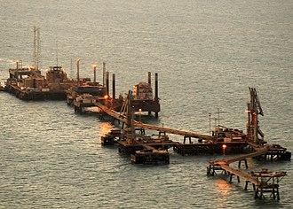 Al Başrah Oil Terminal - An aerial view of KAAOT just after sunrise