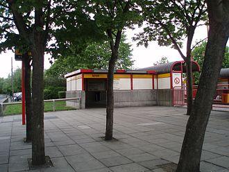 Jarrow Metro station - Station entrance