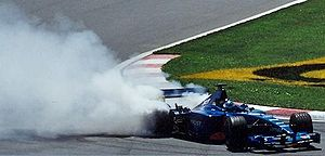 Doughnut (driving) - Jean Alesi performs a doughnut at the end of the 2001 Canadian Grand Prix.