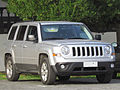 Jeep Patriot 2.4 Sport 2013 (10392670755).jpg