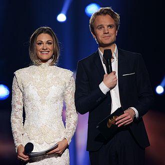 Jenny Skavlan - Skavlan and Erik Solbakken presenting Melodi Grand Prix