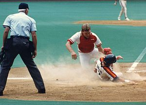 Joe Oliver (baseball) - Oliver as a member of the Cincinnati Reds tags out Craig Biggio of the Houston Astros during a game at Riverfront Stadium on October 3, 1990