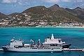 Karel Doorman, politieauto's voor Sint Maarten 2.jpg