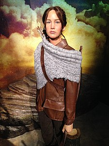 Katniss Everdeen (Jennifer Lawrence) figure at Madame Tussauds London (31139647115).jpg