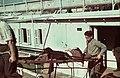 Kikötő a Száva-parton a Besszarábiából menekített német nemzetiségűek átmeneti táborba érkezésekor. Fortepan 84012.jpg