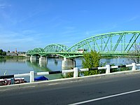 Komárom, pohled na most přes Dunaj.jpg
