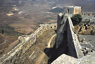 Krak des Chevaliers - The area between the inner and outer walls is narrow and was not used for accommodation.