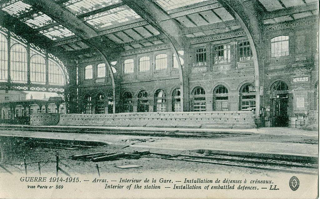 FileLl  Guerre   Arras  Intrieur De La Gare