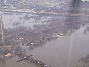 La Crosse Rail Bridge - La Crosse CP Mississippi bridge when there was massive flooding in 2001