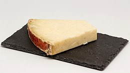 Laguiole (fromage) 01.jpg