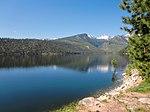 Kuva Como- järvestä ja vuorista.