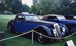 https://upload.wikimedia.org/wikipedia/commons/thumb/7/74/Lancia_Astura_1938_Pourtout_-_Concours_Bagatelle_1994.jpg/250px-Lancia_Astura_1938_Pourtout_-_Concours_Bagatelle_1994.jpg