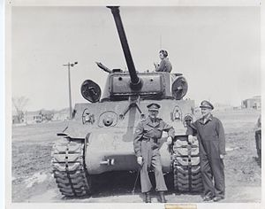 Le Régiment de Hull (RCAC) - Sherman tanks, the Regiment's new fighting vehicle