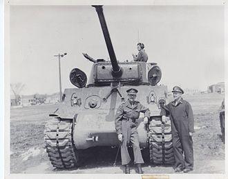 Le Régiment de Hull (RCAC) - Sherman tanks, the Regiment's new fighting vehicle