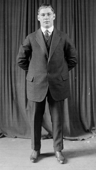 Les Darcy - Image: Les Darcy Suit