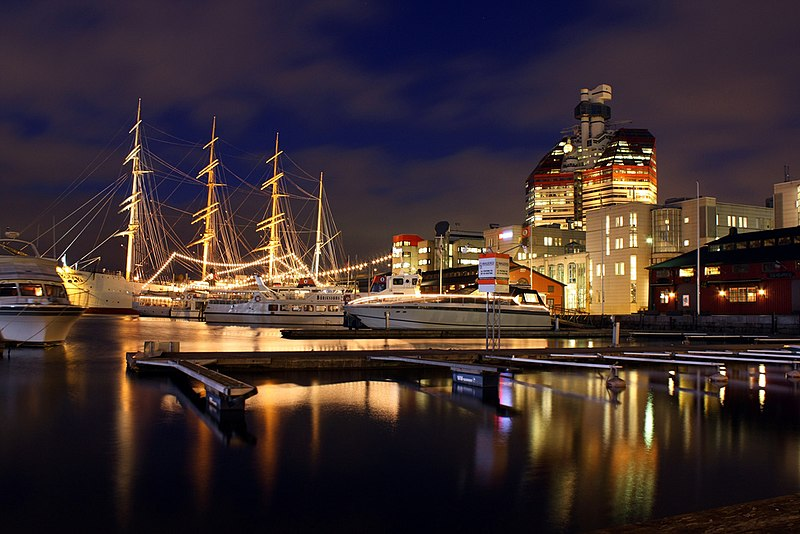 Soubor:Lilla Bommen in Gothenburg.jpg