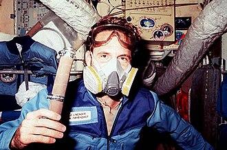 Vika oxygen generator - Image: Linenger in Respirator