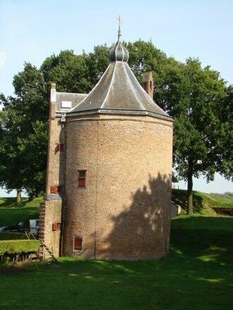 Loevestein Castle - Image: Loevenstein kruittoren