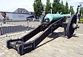 London-Woolwich, Royal Arsenal, cannon at No 1 Street 01.jpg