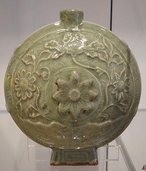 Longquan celadon - Flask, Yuan dynasty, 1271-1368