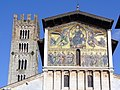 Lucca - San Frediano - detail of the painted facade & bell tower - panoramio.jpg