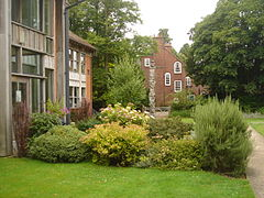 Lucy cavendish college library with marshall house in the background.JPG