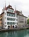 Luzern - Pfyffer'sches Stipendihaus (links) und Korporationsgebäude (Sonnenberghaus).jpg