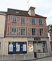 Maison 2 place République Sens 1.jpg