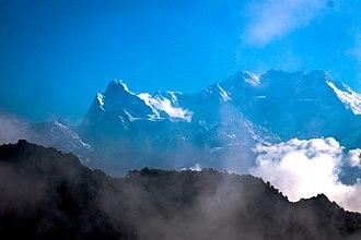 Makalu - Mt. Makalu viewed form Guphapokhari.