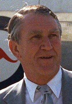 MalcolmFraser1982.JPEG