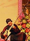 Man playing a đàn đáy.jpg