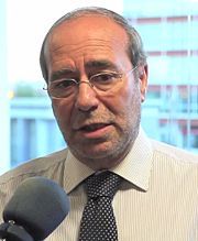 Manuel Robles 2012 (cropped).jpg