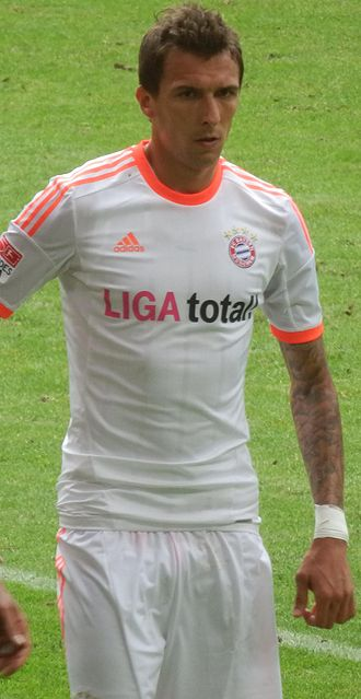 Mario Mandžukić - Mandžukić playing for Bayern Munich in August 2012.