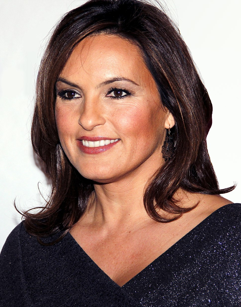 Mariska Hargitay @ Make Believe On Broadway (cropped)