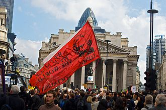 2009 G20 London summit - Protesters outside the Bank of England on 1 April 2009