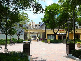 Mary Brickell Village - Image: Mary Brickell Village eastside