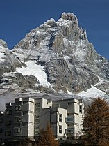 Matterhorn from Breuil-Cervinia.jpg
