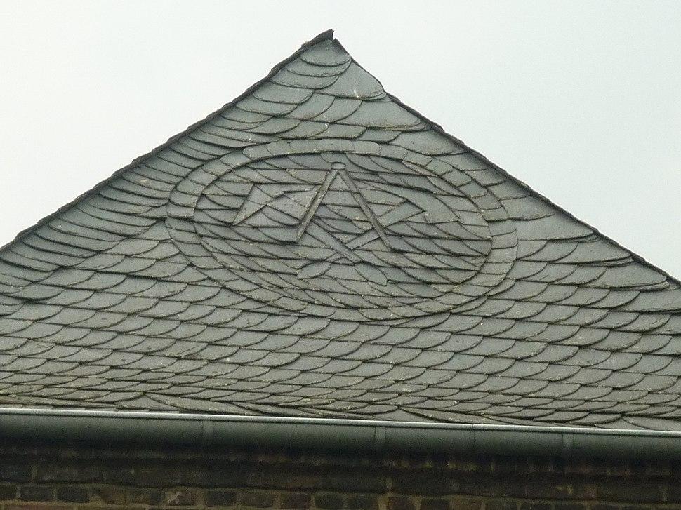 Meerbusch - Lank - Hauptstr 19, Van-Haags-Hof - Detail Dach (3)