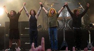 330px-Megadeth_at_Sauna_crop