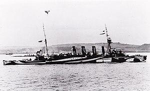 HMAS Melbourne (1912) - Image: Melbourne dazzle camo