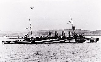 HMAS Melbourne (1912) - Melbourne in dazzle camouflage in 1918. Melbourne was the only ship of the RAN to be painted in dazzle camouflage during World War I.