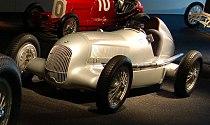Mercedes-Benz W25.jpg