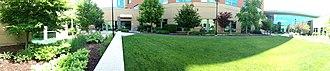 Metro Health Hospital - Image: Metro Health Hospital Bill & Bea Idema Healing Garden Panorama