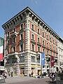 Milano - edificio via Pozzone 5.jpg